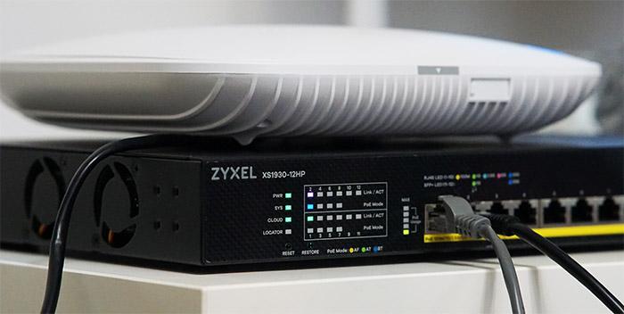 zyxel-xs1930-12hp
